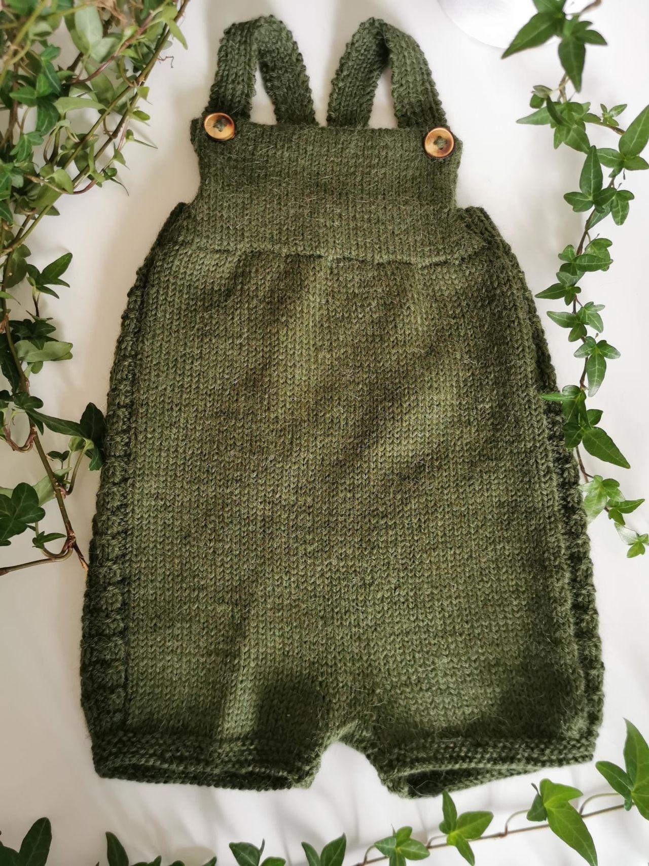 Hjemmestrikket ny Knerten bukse, design Klompelompe | FINN.no
