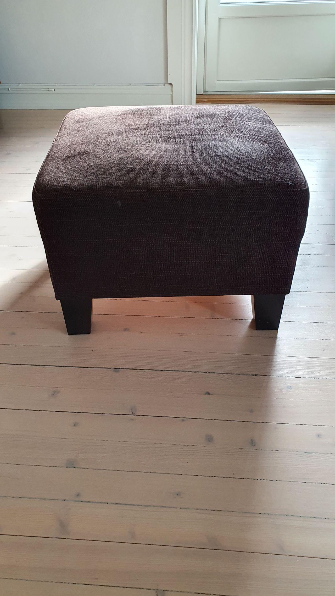 Ekenäs Hensta fotskammel, mørk brun | FINN.no