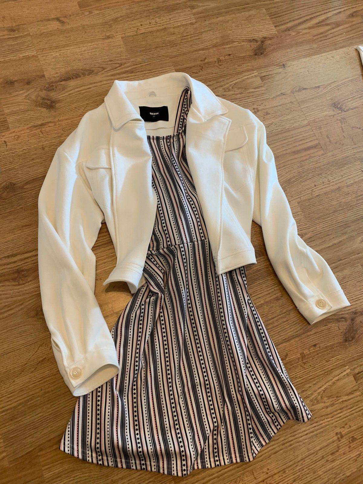 Klespakke (jakke & sommerkjole ) | FINN.no