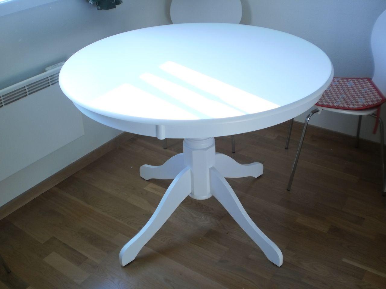 Helhvitt, rundt bord til salgs. | FINN.no