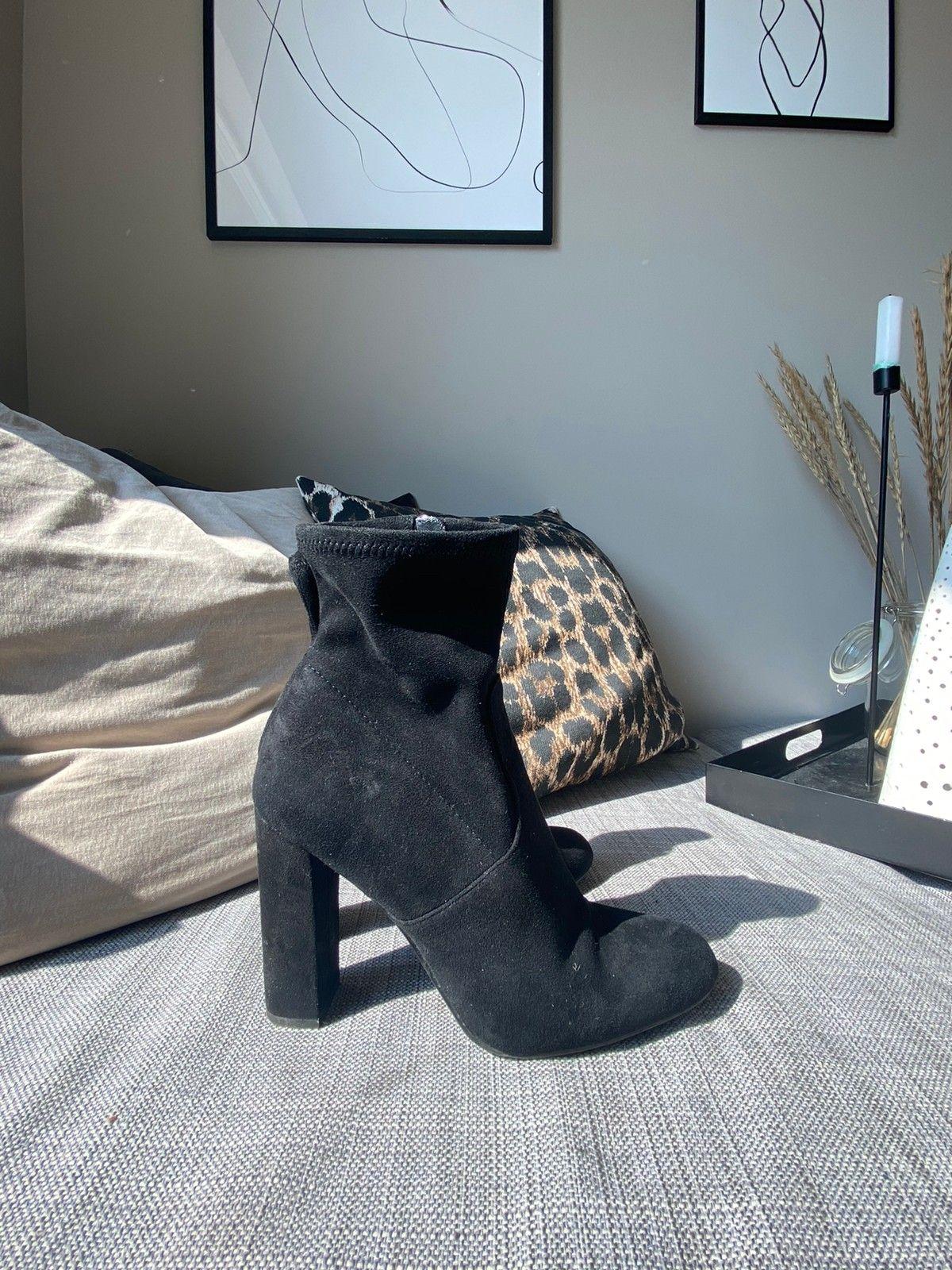 Kjempe fine støvletter fra Acne | FINN.no