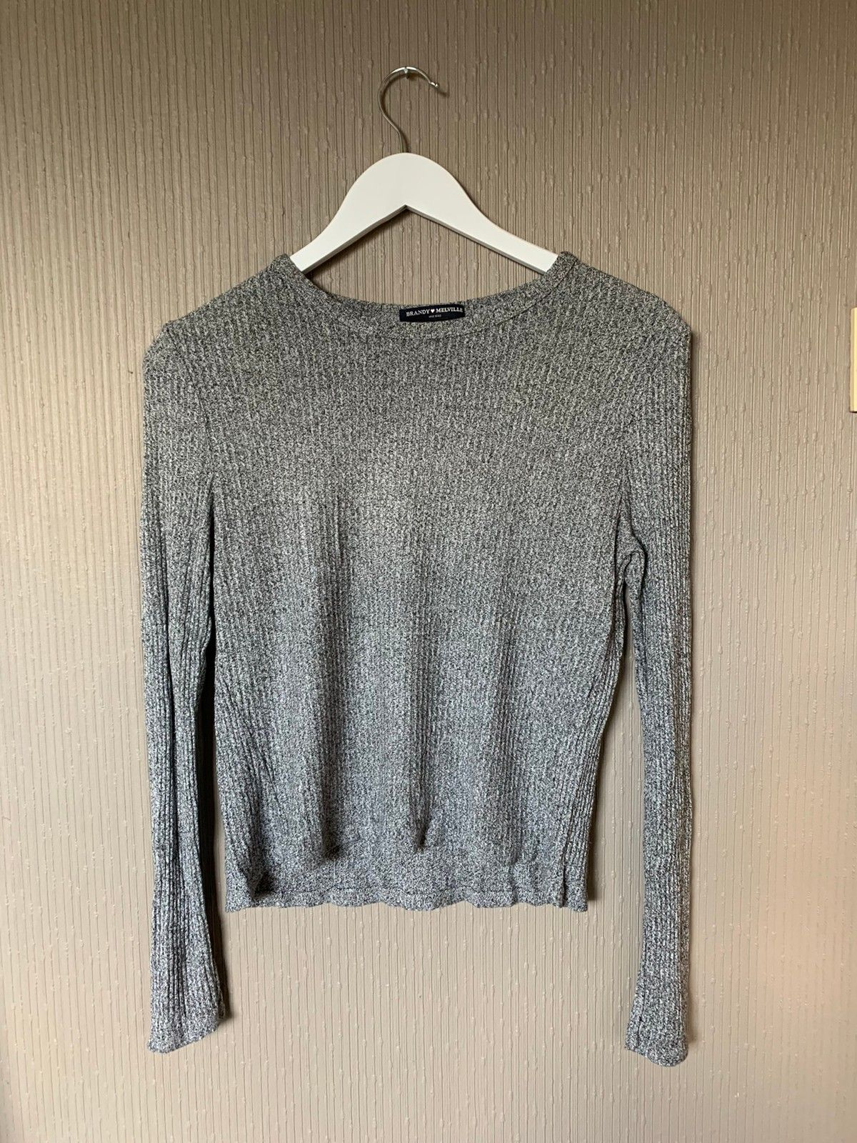 Brandy melville genser | FINN.no