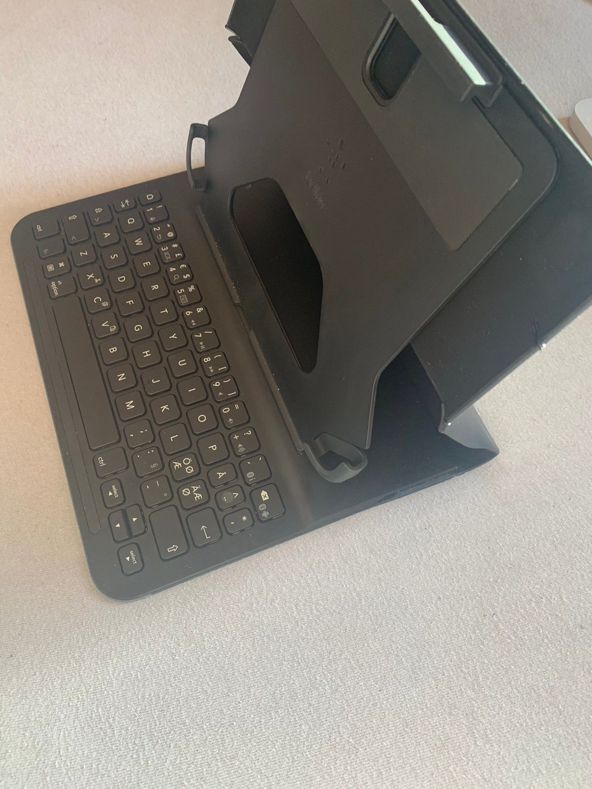 Bluetooth tastaturdeksel til iPadnettbretttablet | FINN.no