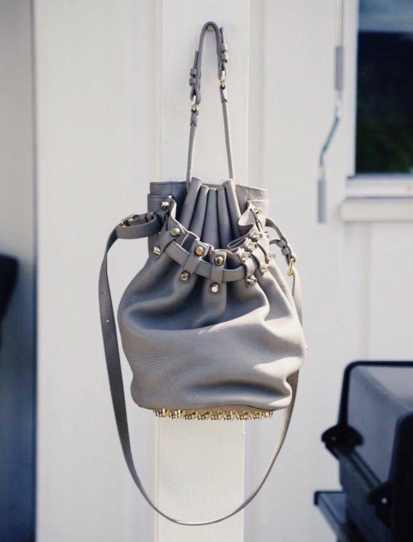 Stor veske fra Alexander McQueen | FINN.no