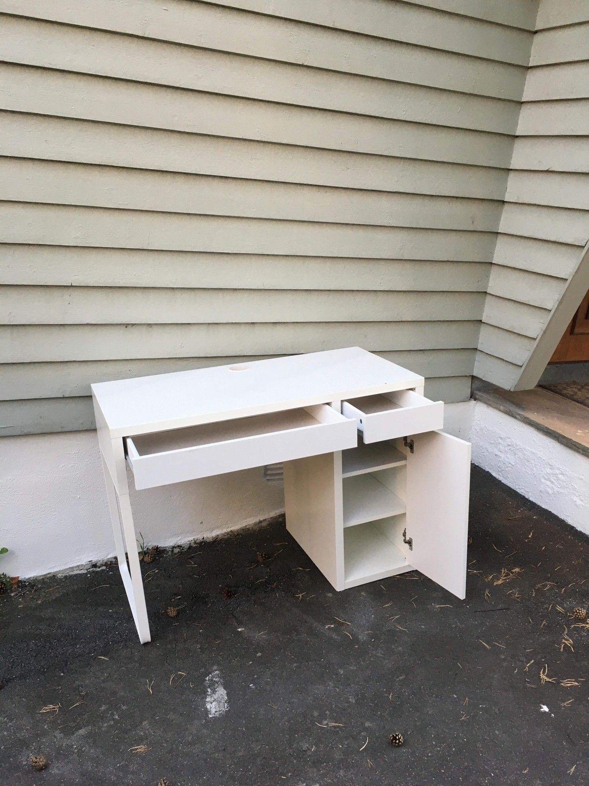 Skrivebord med skuffeseksjon | FINN.no