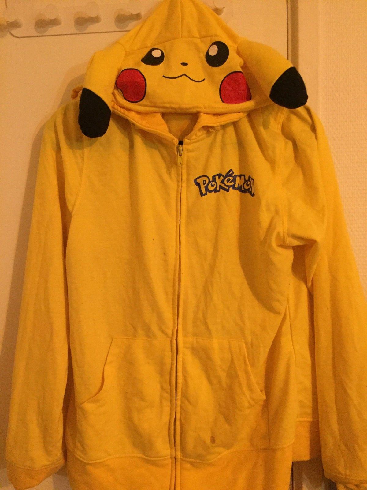 Pikachu hoodie genser til salgs! | FINN.no