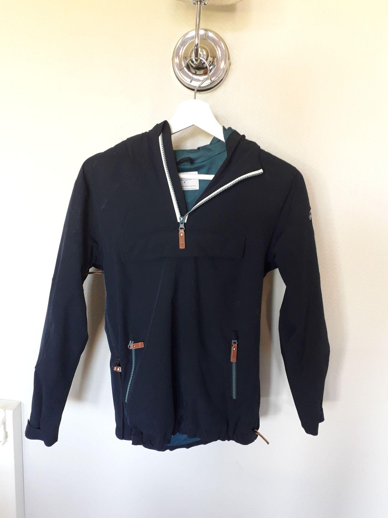Twentyfour jakke 12 år. Nydelig mørkeblå farge | FINN.no