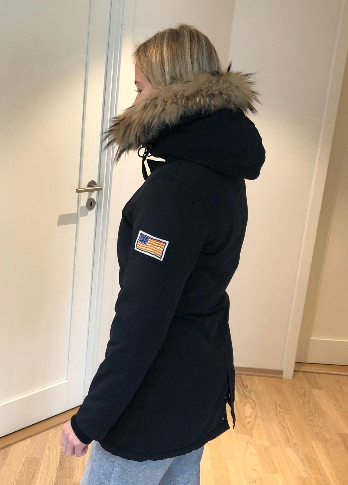 SVEA «Miss Brown» Jakke Sort modell | FINN.no