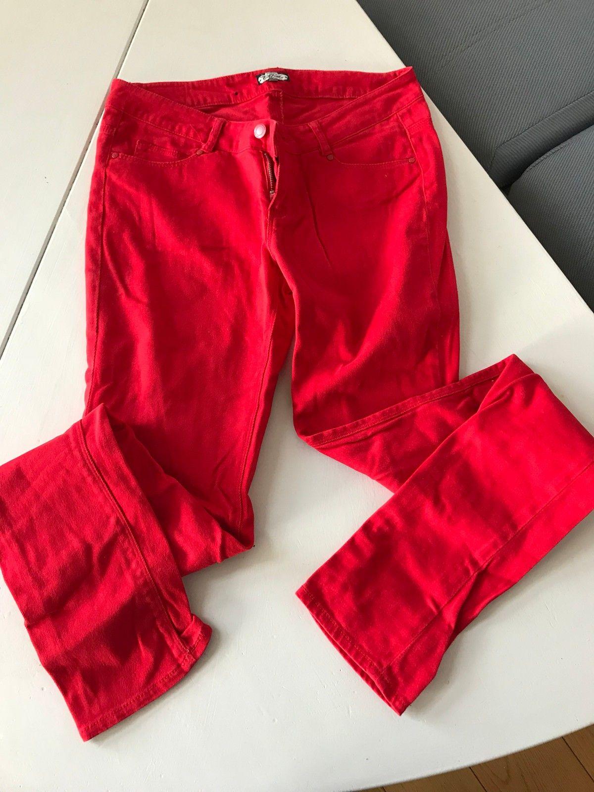 Rød dongeri bukse   FINN.no