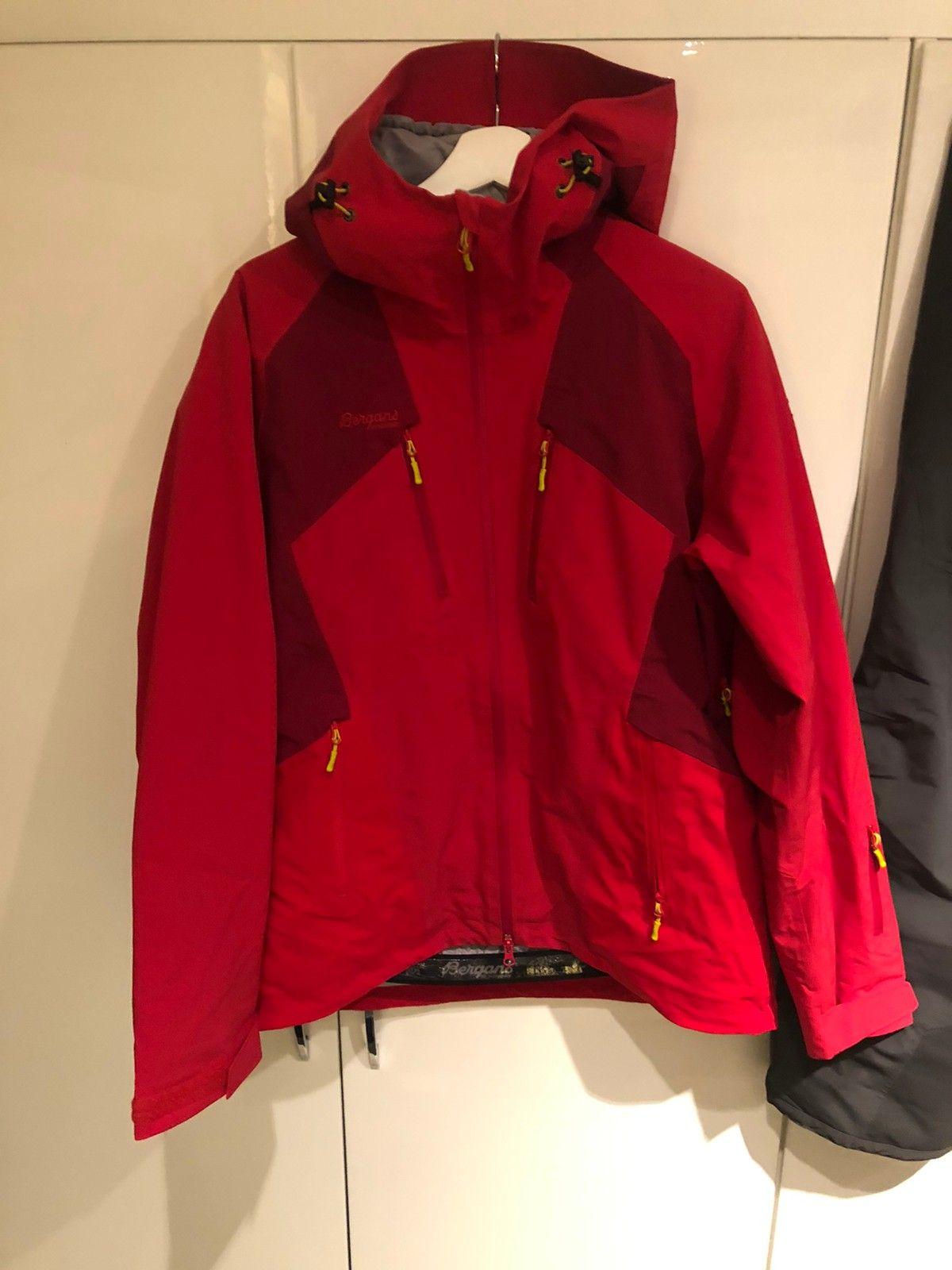 Bergans jakke, alpin allværsjakke | FINN.no