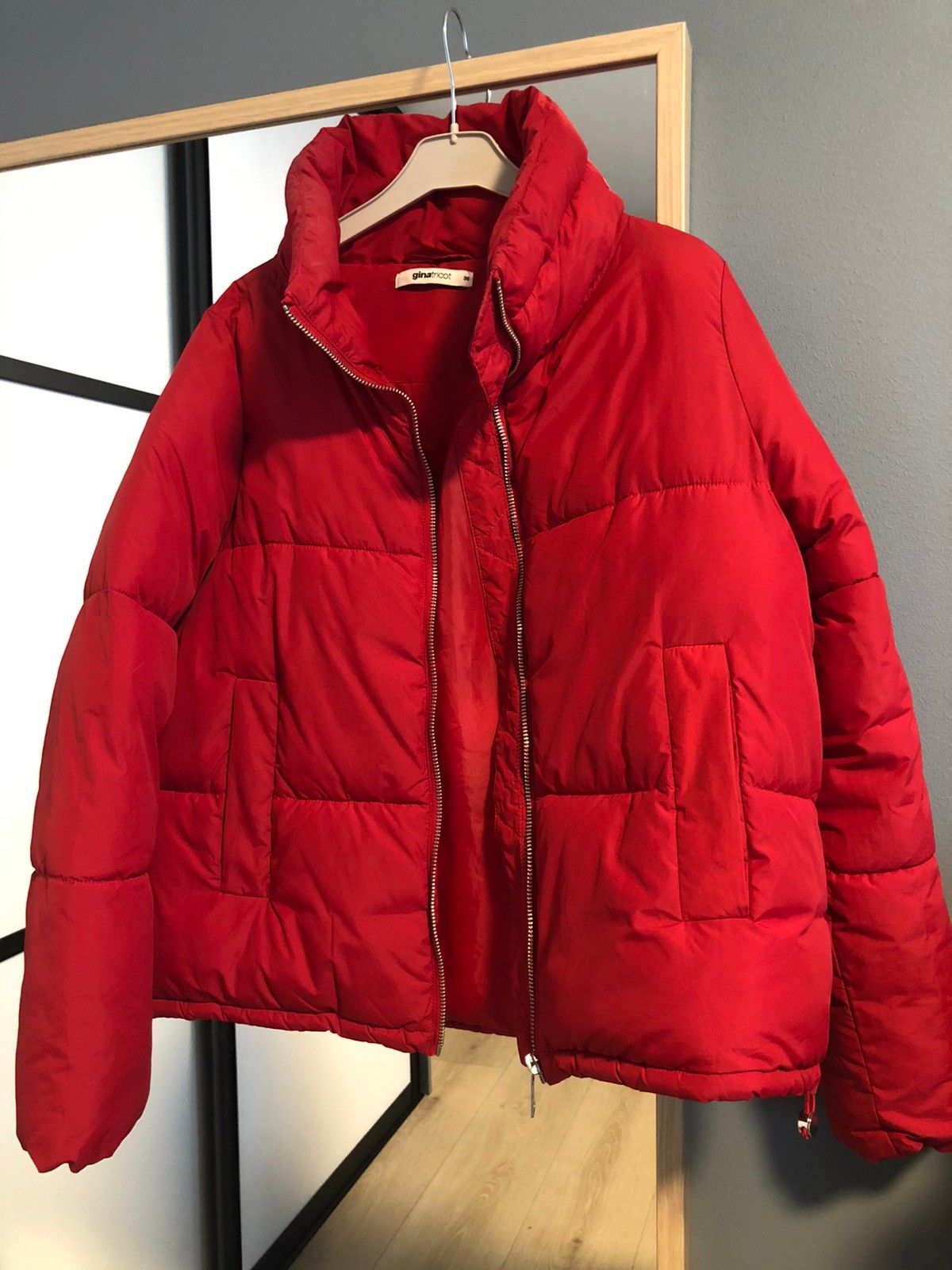 Rød boblejakke fra Zara | FINN.no