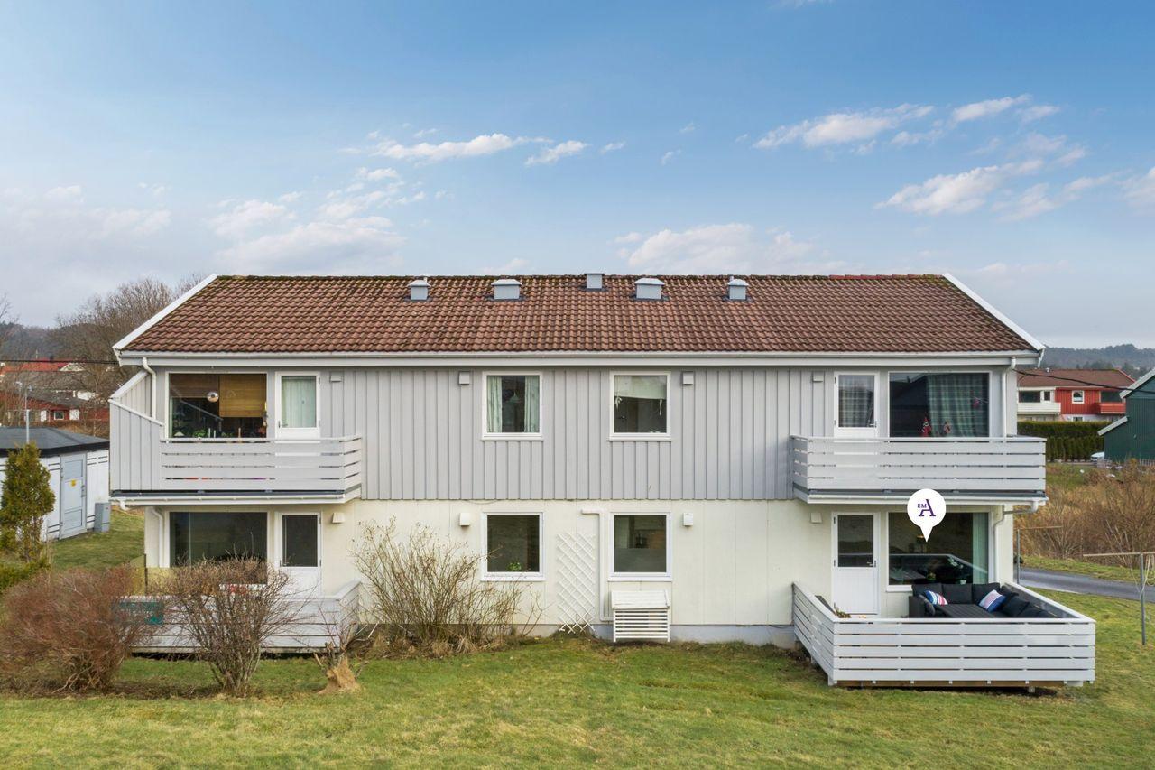 Nordre bydel - strøken andelsleilighet i 1. etasje - Stor vestvendt altan - grønne omgivelser - Lave felleskostnader.