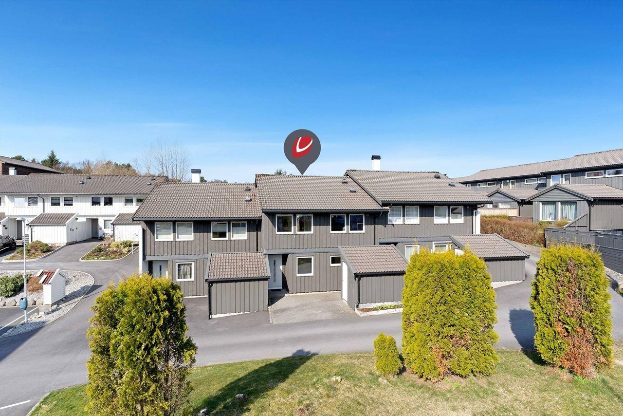 Hjortestien/Bleikemyr - Flott rekkehus med attraktiv og barnevennlig beliggenhet - Garasje i lukket anlegg