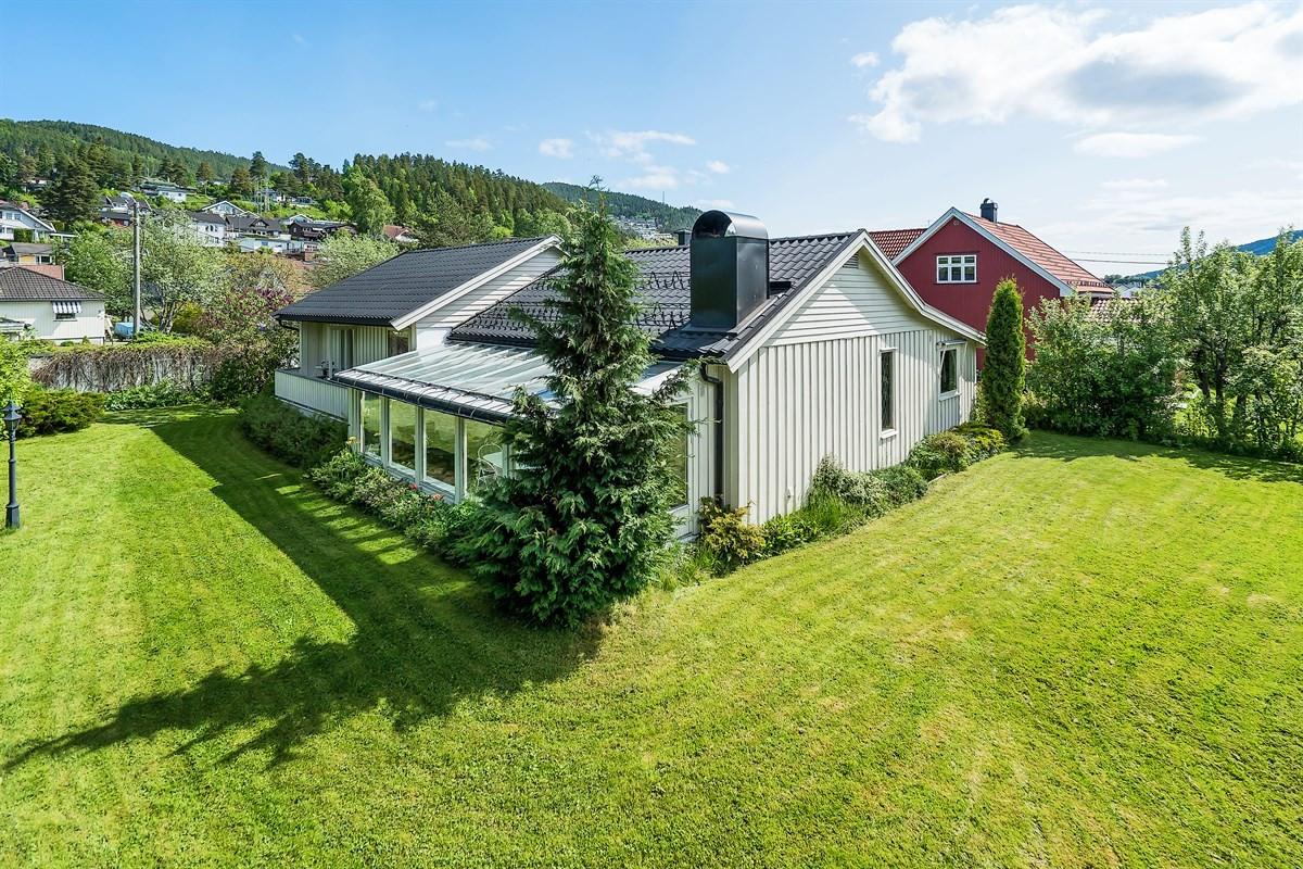 Meglerhuset & Partners Drammen - Enebolig - 4 200 000,-