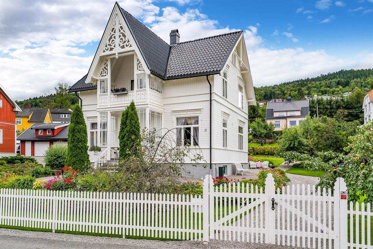 Meglerhuset & Partners Drammen - Enebolig - 5 950 000,-