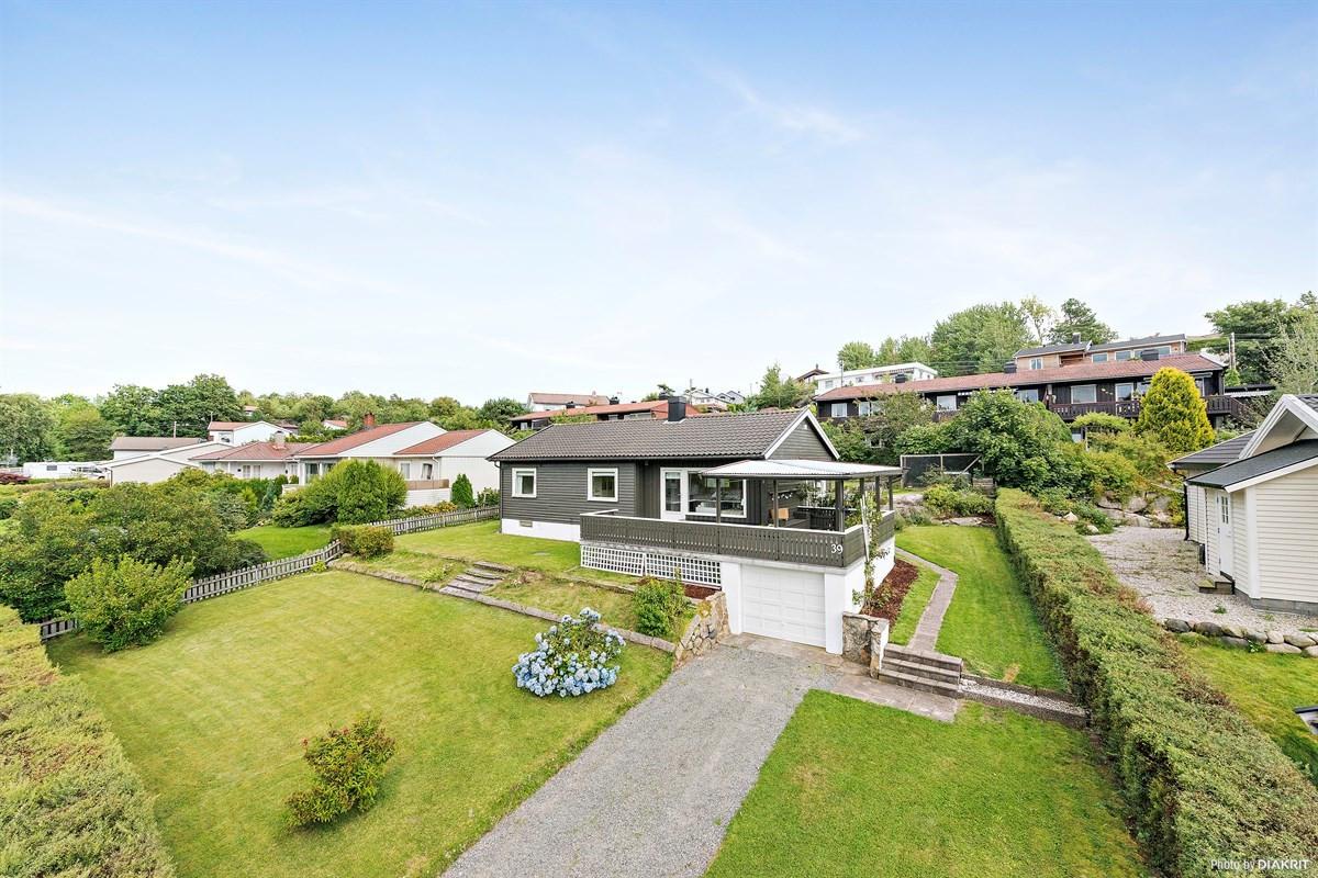 Leinæs & Partners Larvik - Enebolig - 3 100 000,-