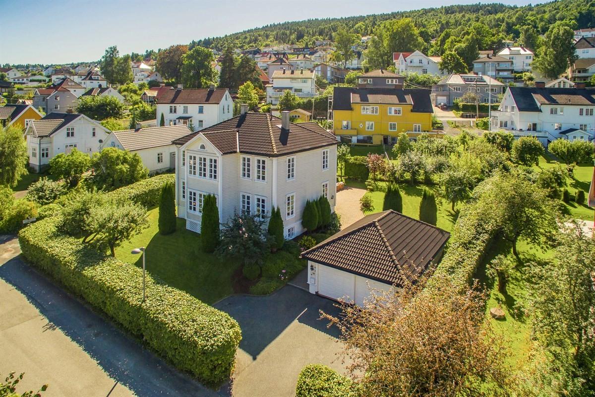 Meglerhuset & Partners Drammen - Enebolig - 8 990 000,-