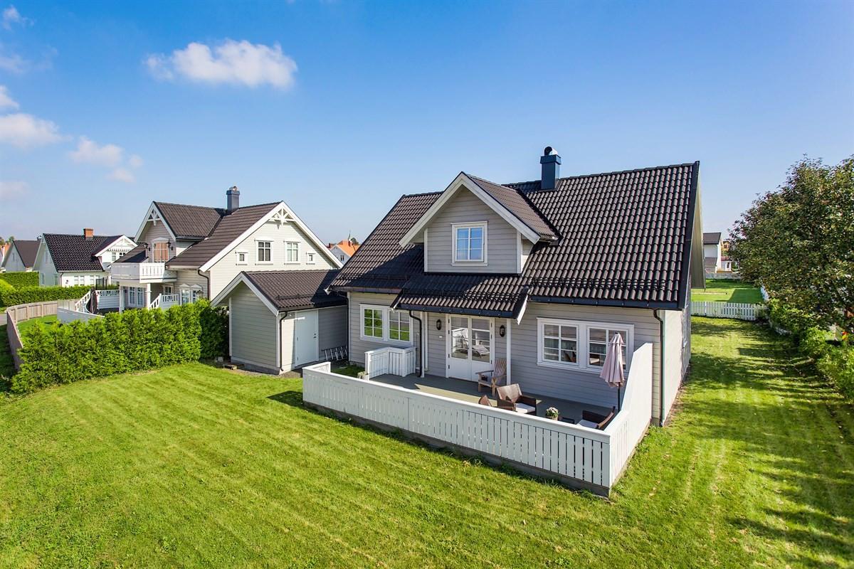 Leinæs & Partners Larvik - Enebolig - 3 290 000,-
