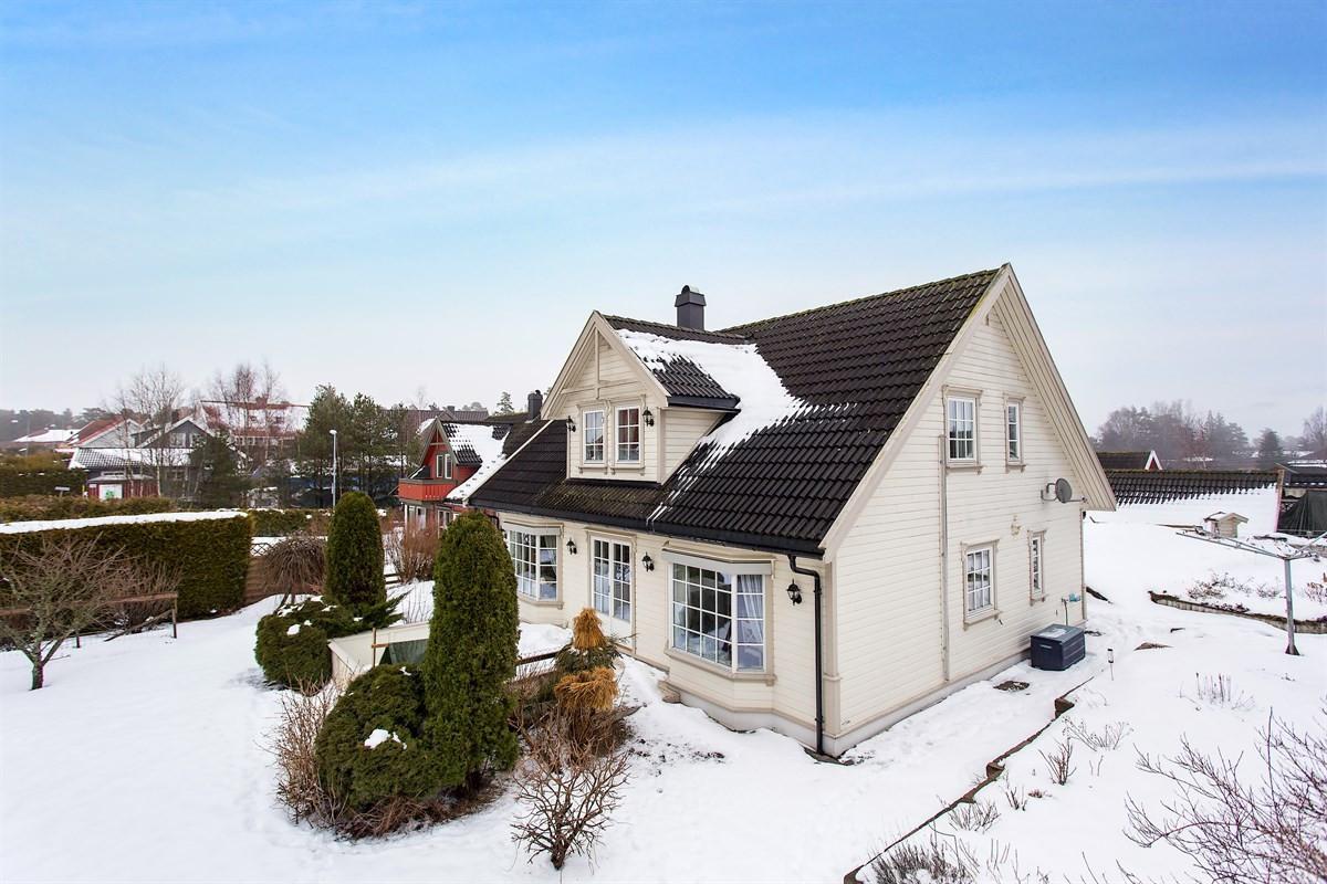 Leinæs & Partners Larvik - Enebolig - 3 190 000,-