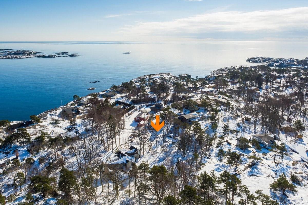 Leinæs & Partners Larvik - Hyttetomt - 1 600 000,-