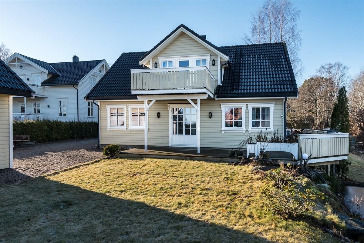 Meglerhuset & Partners Arendal - Enebolig - 2 450 000,-