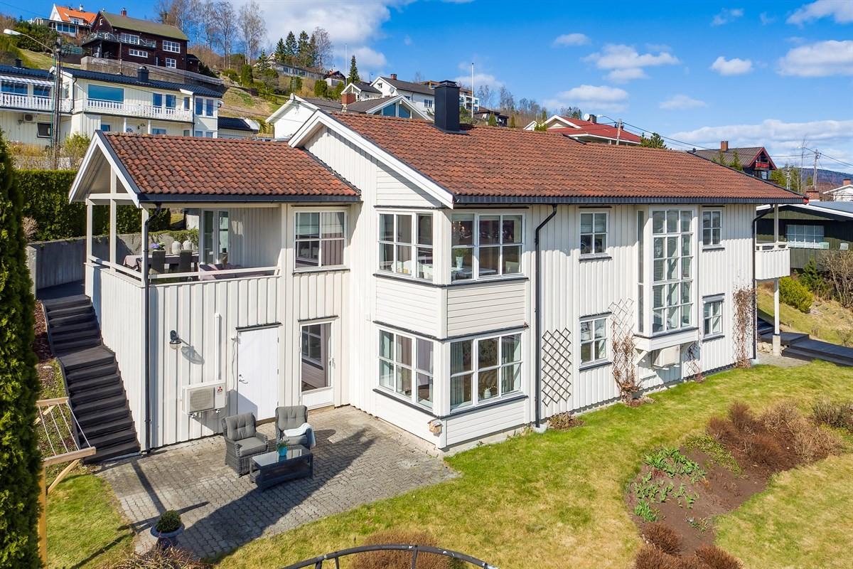 Meglerhuset & Partners Drammen - Enebolig - 7 290 000,-