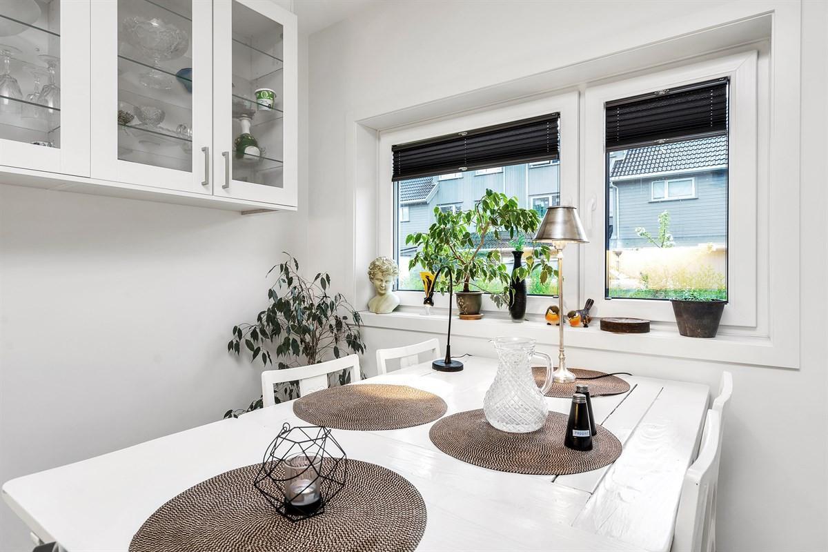 Torvmoen - Flott 3 roms selveier leilighet med terrasse og egen ...