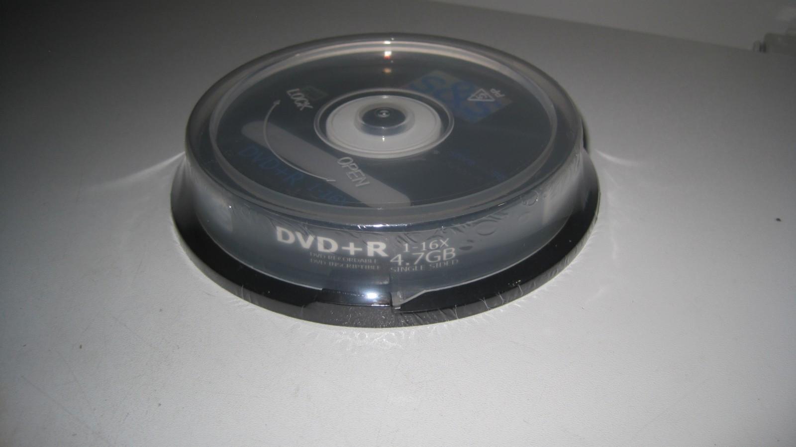 DVD+R kopiering eller brenne DVD plater med Cover/Spindel - Porsgrunn  - DVD+R : kopiering eller brenne DVD-plater med Cover/Spindel 1. Enkelte DVD+/-R plate i Cover - kr.3,- (inn til 9 stk.) 2. 10 stk. i Spindel - Kr.15,- 3. 25 stk. i Spindel - Kr. 25,- - Ved henting etter avtale ! - Ved sending: Post frankering  - Porsgrunn