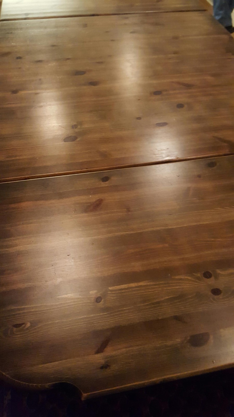 Spisebord fra Kvande & Nordvik - Brårud  - Kraftig spisebord fra Kvande og Nordvik med 2 klaffer. 200cm x 100cm med klaffer. Uten klaffer 100cm x 100cm. Fin skuff under bordplaten. - Brårud