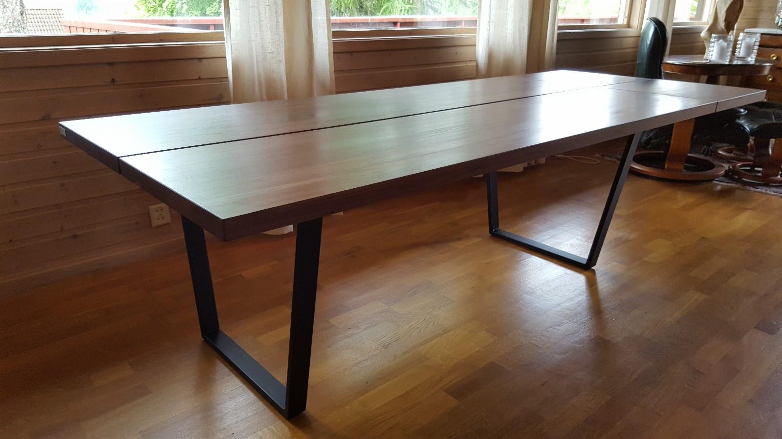 Spisebord tre