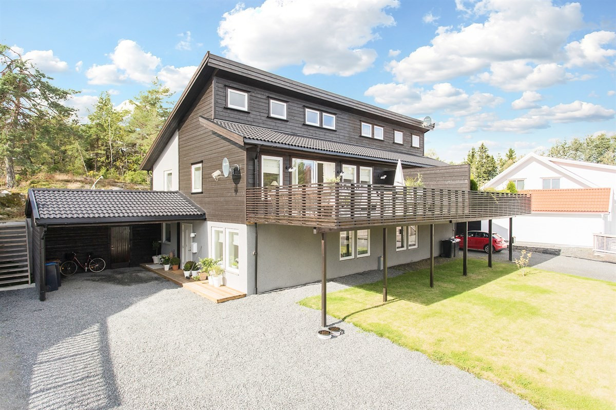 Leinæs & Partners Larvik - Tomannsbolig - 3 590 000,-