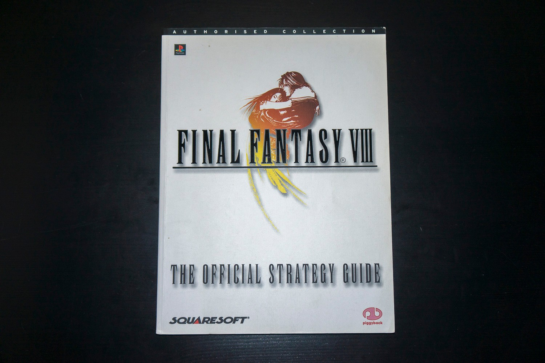Final Fantasy VIII Piggyback Official Strategy Guide - Trondheim  - Final Fantasy VIII offisiell strategiguide av Piggyback. Lett bruksslitasje på omslag, ellers i utmerket stand.  Har også masse andre Final Fantasy strategiguider til salgs.  Se bilder for detaljer. &#10 - Trondheim