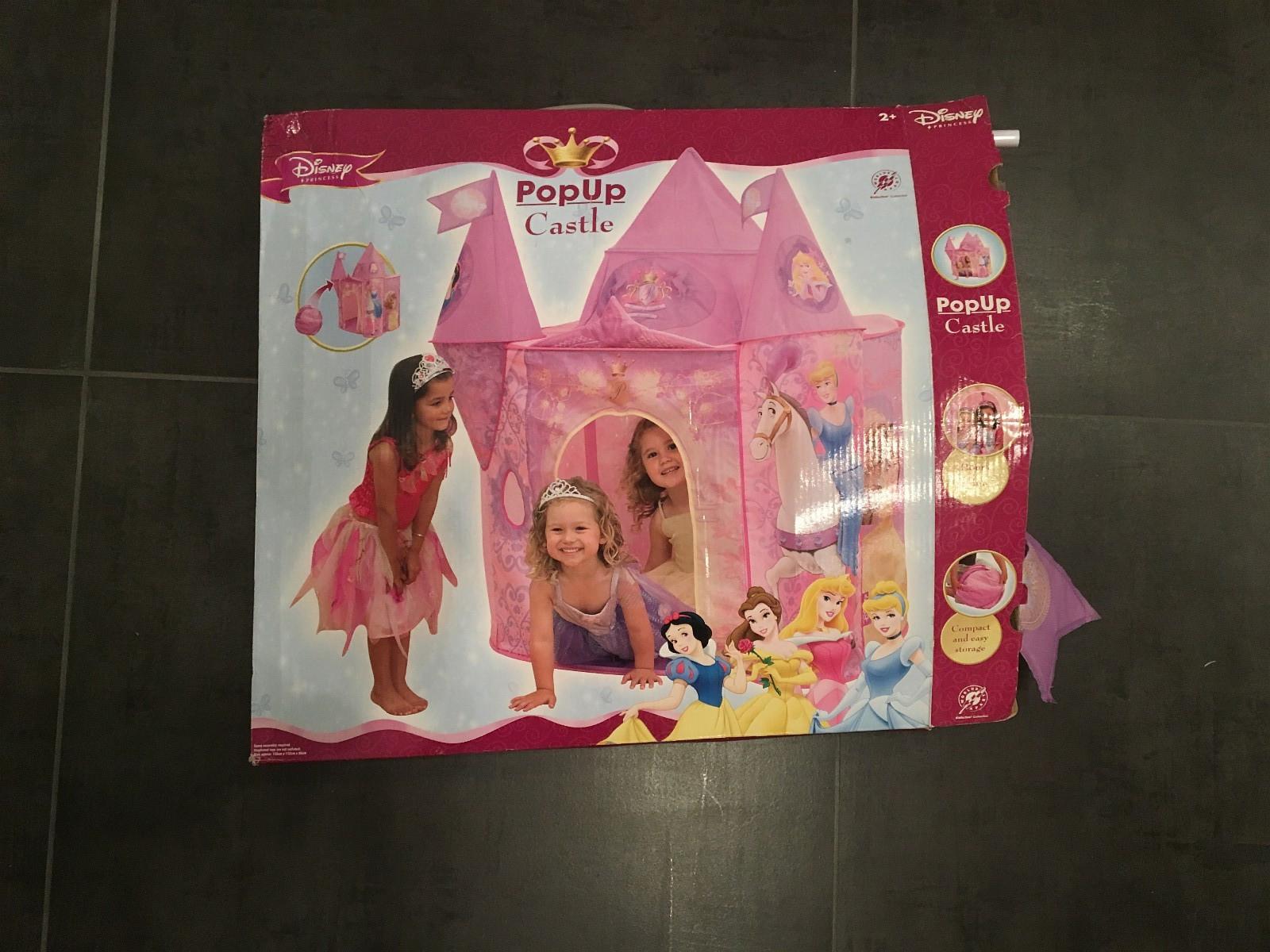 Disney Popup Castle - Blommenholm  - Disney popup castle (slott). - Blommenholm
