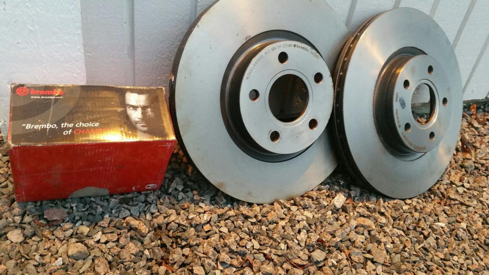 Brembo bremseskiver foran Volvo V50. GUNSTIG! - Tønsberg  - Et sett Brembo bremseskiver foran til Volvo v50. Feilkjøp og den er kun satt på. Topp kvalitet. NB! 30 cm diameter. Gjelder fra 2004 modell, men du må sjekke diameter på skivene dine først. V50 har 28-30-32-34 cm. Min har 28cm. Pris - Tønsberg
