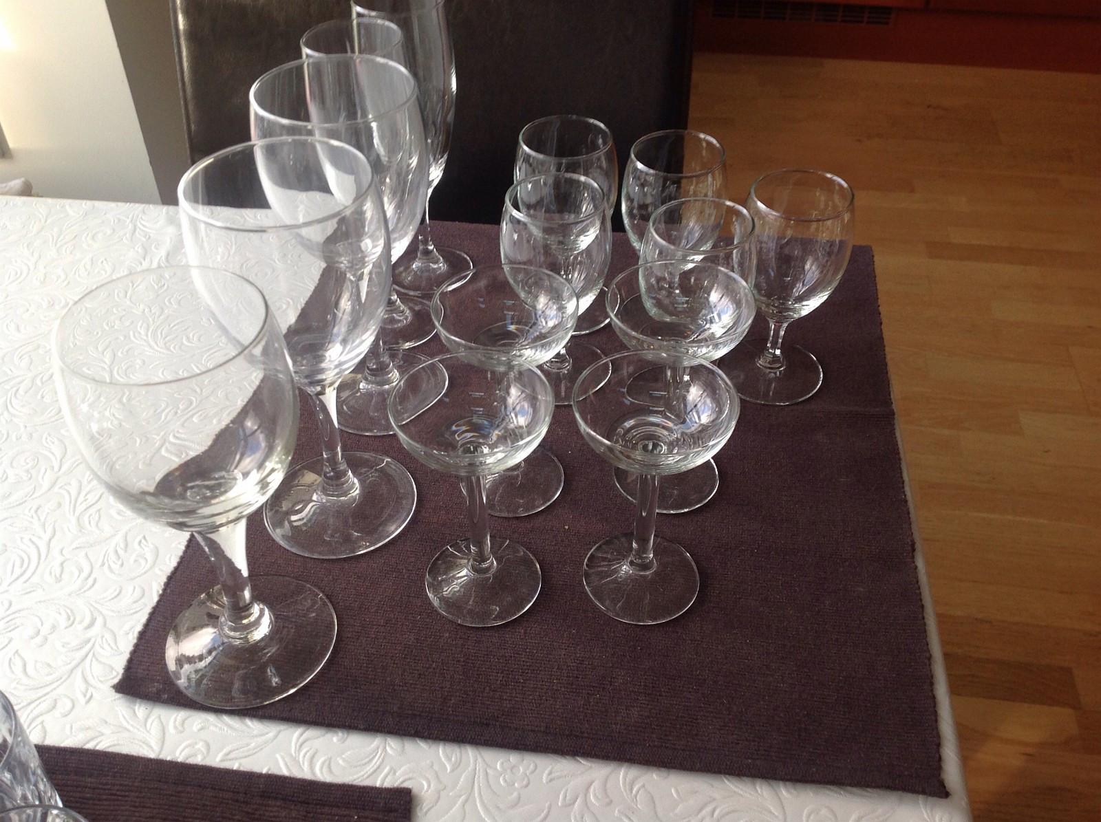 14 glass til hybelboerne - Trondheim  - 14 glass til hybelboerne . - Trondheim