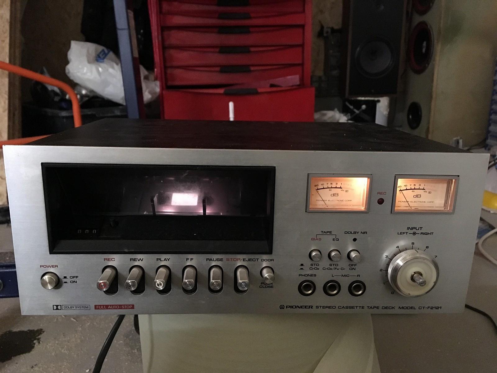 Pioneer CT-F2121 cassette deck - Skåla  - Pioneer CT-F2121 kasettspiller (75-77)  Mangler en knott. Ser ut til å virke, har ikke testa med en kasett.. - Skåla