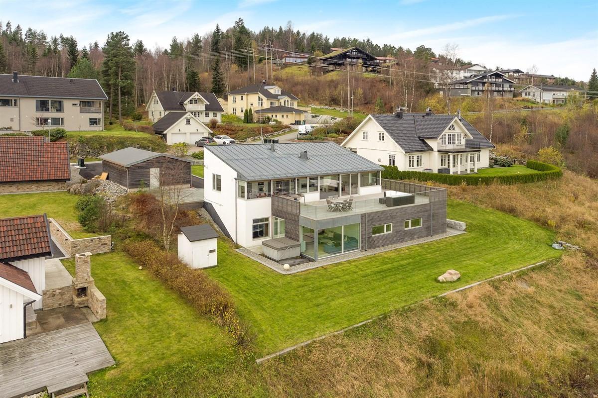 Meglerhuset & Partners Drammen - Enebolig - 10 500 000,-