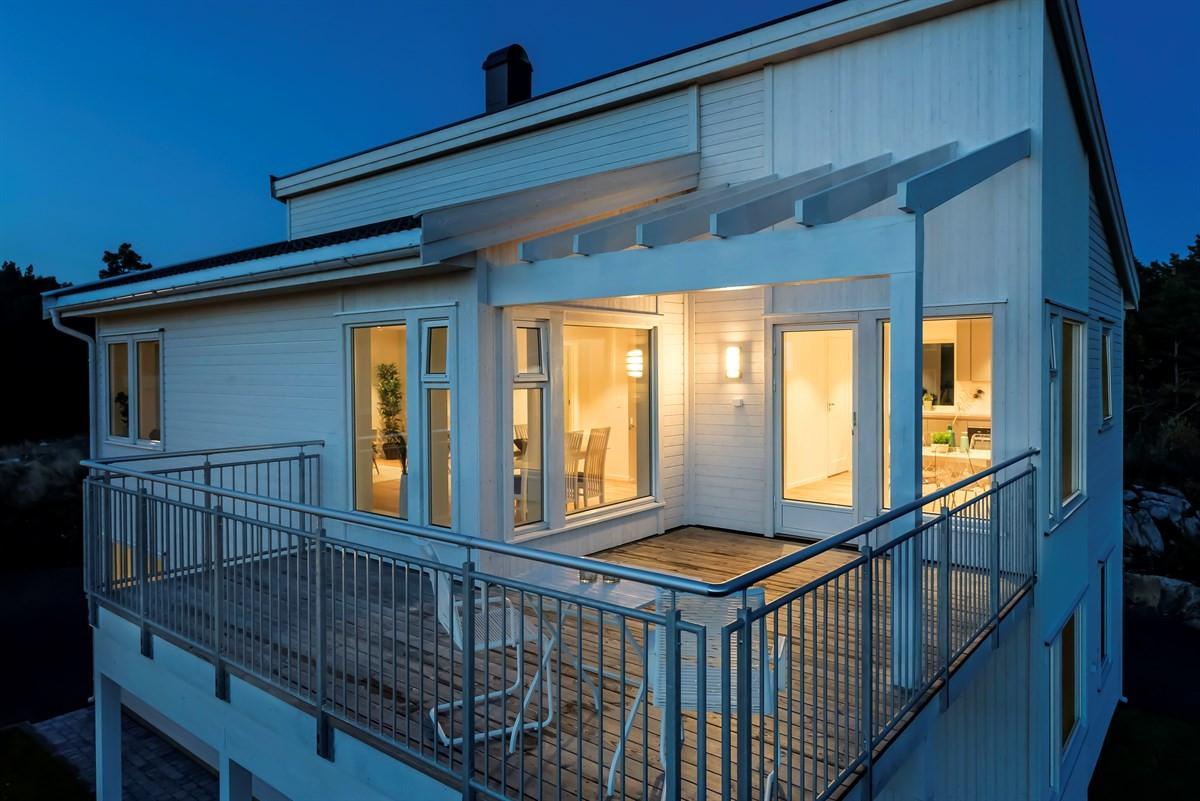 Meglerhuset & Partners Arendal - Enebolig - 4 950 000,-