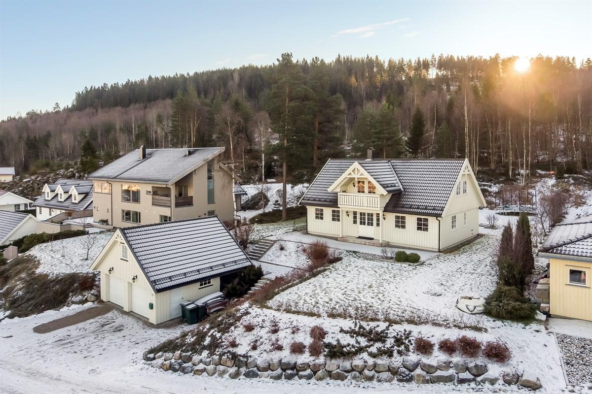 Meglerhuset & Partners Drammen - Enebolig - 6 900 000,-