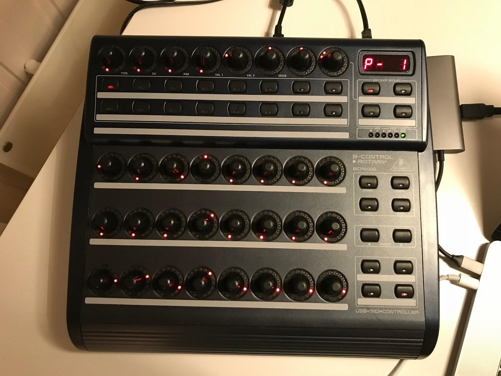 BCR2000 - Eidsvoll  - Godt brukt men i god stand. Kjøpte denne en stund siden til å styre en analog synth men har ikke tid til å oppsette den. Selger den derfor videre til noen mindre lat.  Testet nettopp med ableton på en Mac med nyeste OS og fungerer so - Eidsvoll