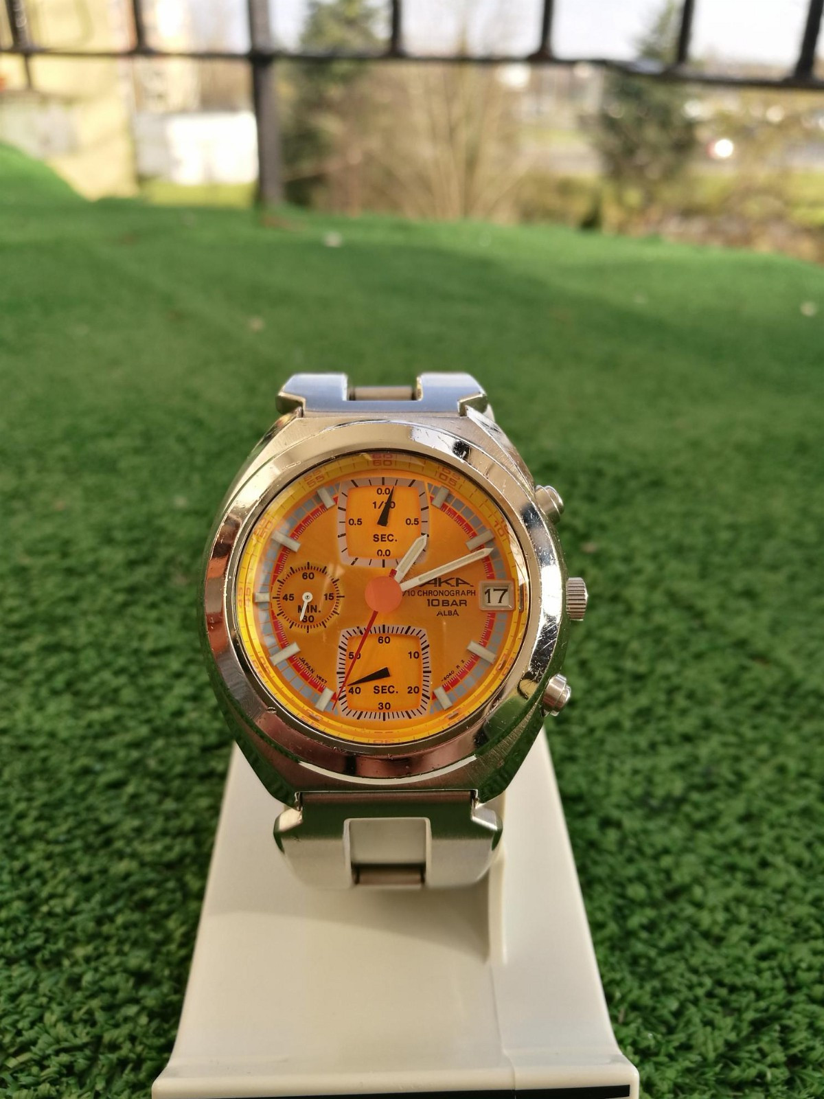 Rare vintage (Seiko) AKA ALBA Chronograph V657-6060 - Kristiansand S  - Rare vintage (Seiko) AKA ALBA Chronograph V657-6060 quartz with the beutiful yellow dial. Watch in good condition, everything works good. Diameter without crown 39mm. Oryginal branclet.   Red and Yellow dial being the most vibrant of the - Kristiansand S