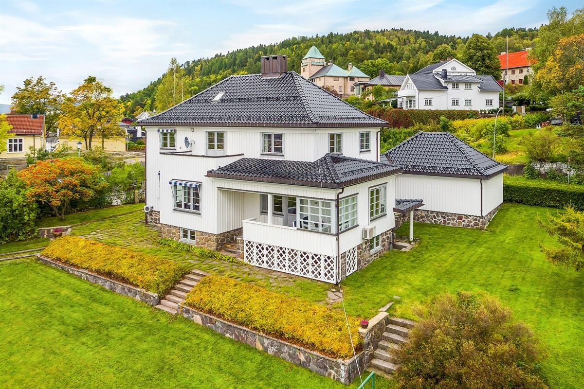 Meglerhuset & Partners Drammen - Enebolig - 11 980 000,-