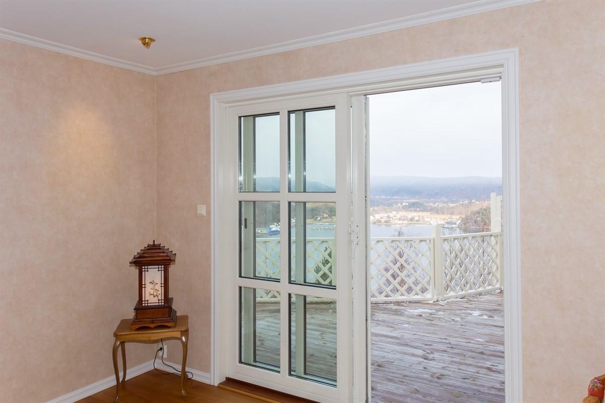 stue-med-utgang-til-terrasse