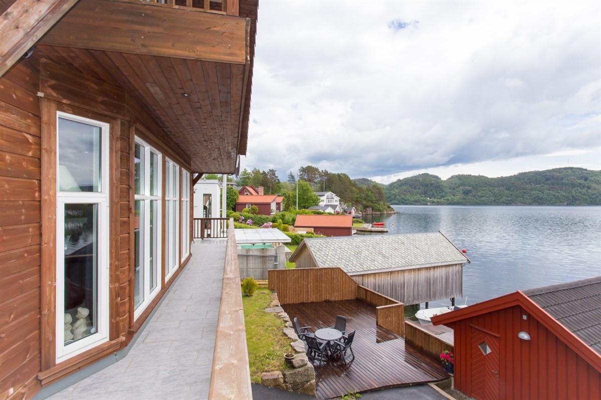terrasse-balkong-i-hovedetg