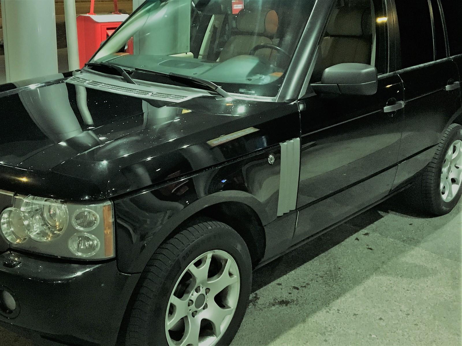 """18"""" Felger til Bmw og Land Rover, SUV. - Oslo  - 18"""" felger med Continental 255 55 18 piggfri . To av dekkene er slitt på kanten. ET 48 5*120 - Oslo"""