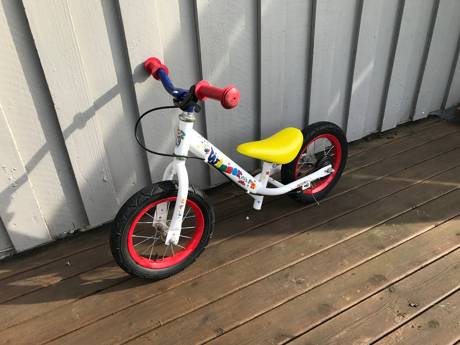 Balance bike with rubber tires and brake - Røyneberg  - Used balance bike for sale. Rubber tires and hand brake.