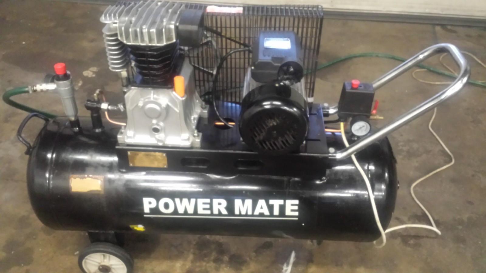 Power Mate 100 L Kompressor - Borgenhaugen  - Kompressorer til alle behov brukt.  Maskin til transport av en gass (f.eks. luft) fra et lavere til et høyere trykknivå.  En kompressor karakteriseres ved den trykkendring som skal oppnås og den gassmengde som skal t - Borgenhaugen