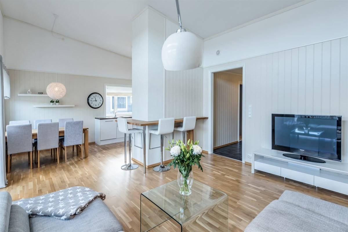 Leilighet - nedenes - 1 790 000,- - Meglerhuset & Partners