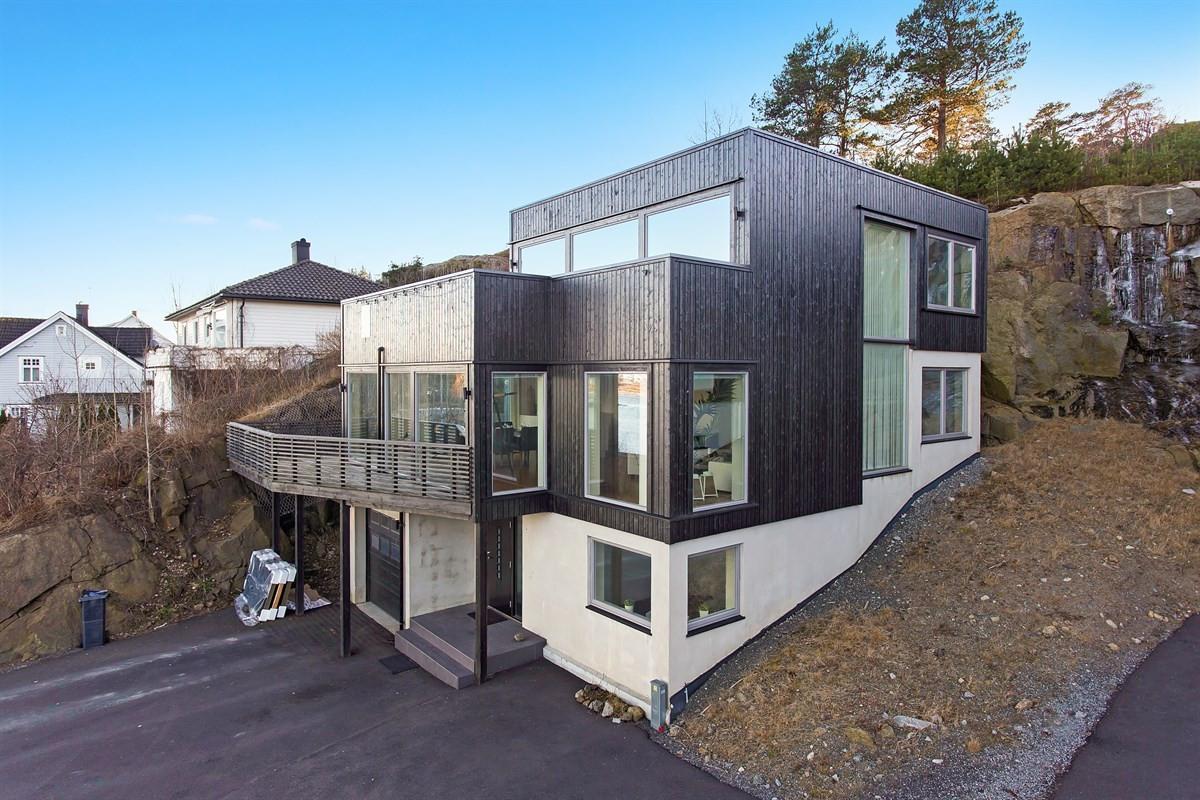 Enebolig - stavern - 4 600 000,- - Leinæs & Partners