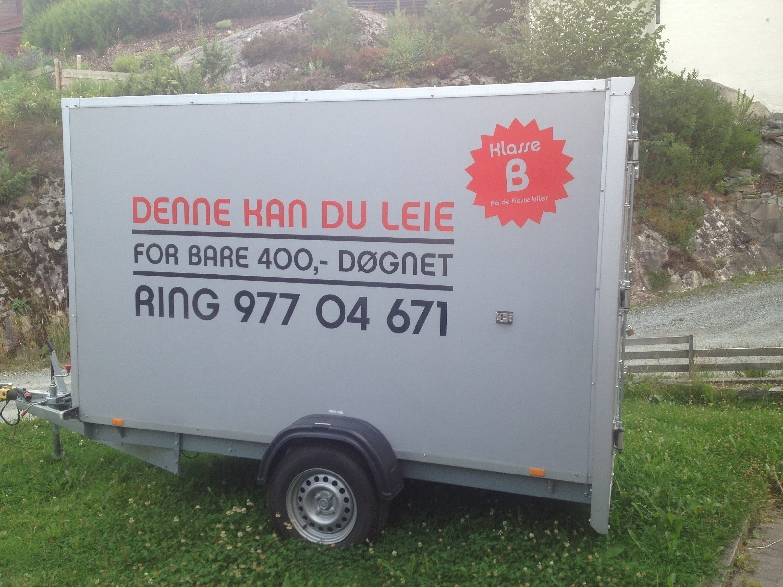 Skaphenger til leie - Os  - Flott skaphenger til leie fra Os ved Bergen. Kjøres på klasse B på de fleste biler. Totalvekt 1300 kg, 830kg nyttelast. 300 cm innvendig lengde. Prisen er et utgangspunkt for døgnleie. Ta kontakt for lengre avtaler. Passer til alt fra korte IKEA - Os